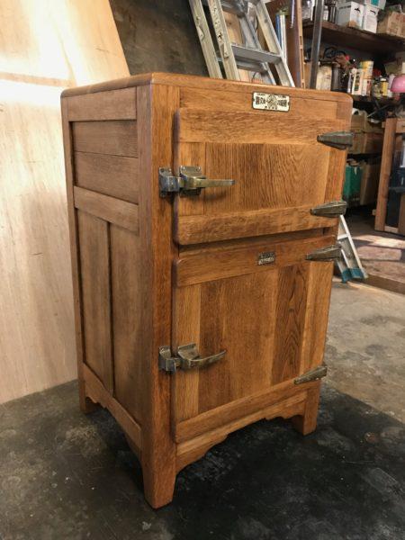 古い国産の冷蔵庫 / 古道具のリメイク