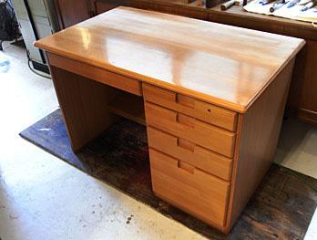机のベタ塗り再塗装