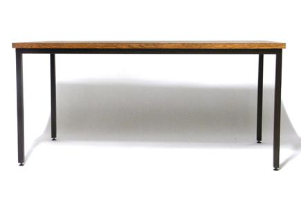 ナラ無垢材テーブル正面