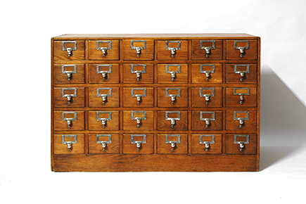 st-005(chest of many drawers)