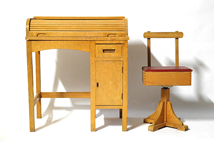 ta-016(school desk & chair)